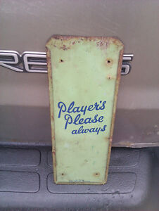RARE PLAYERS CIGARETTE METAL ADVERTISING PALM PRESS