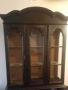 Free China cabinet (top part only)