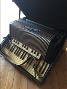 Wanted: Wanted: Looking to buy an Accordion