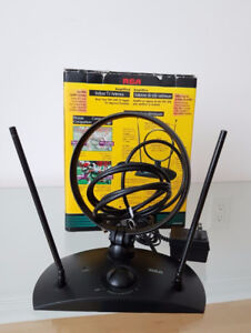RCA ANT200B VHF/UHF/FM Amplified Indoor Antenna