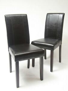 Chaise table à diner en cuir noir neuf jamais utiliser. !!!!