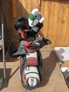 Ladies Jazz Golf Clubs (14 in total) Winn Putter, & Hooded bag