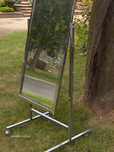 Standing Single Panel Floor Mirror with Casters West Island Greater Montréal image 4