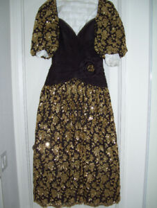 Vintage Gowns for Sale - 6 Gowns