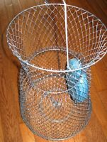 Floating fish basket