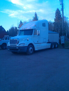 2006 Freightliner Columbia (Pre Emissions-No DEF)
