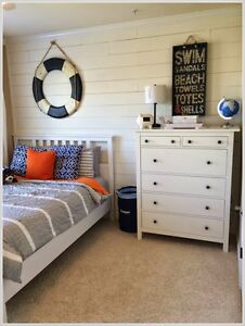 Like New 6 drawer White Chest in Mint Condition
