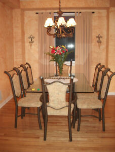 Beautiful Glass Dining Table and 8 Chairs in Excellent Condition