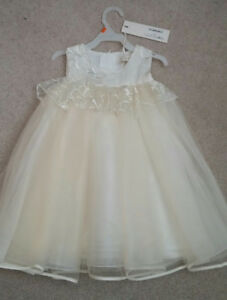 FLOWER GIRL DRESS - SIZE 3/4T - brand new never worn