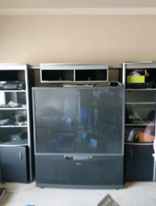 Amaming working condition 75 inch t.v with wall mount