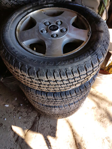 215/60/15 Snow Tires on Alloy Rims