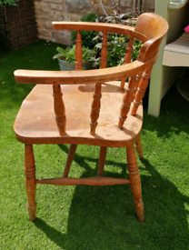 Vintage/Retro 1950s Captain's/Carver Chair in Solid Wood.