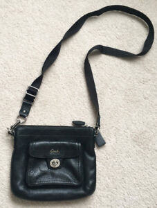 Coach Messenger Leather Crossbody Purse (All Black)