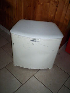 vintage retro metal clothes laundry hamper  padded lid white