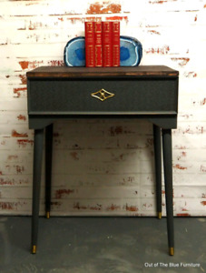 Beautiful retro entry/side table