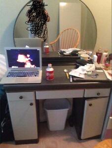 Gorgeous Vanity Desk w/ Mirror