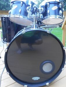 Ludwig 4 pc kit with Tama foot pedal .