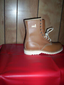 mens size 9 vintage Canada Giant casual boots hikers