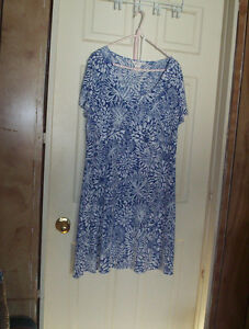 womens Northern Reflections XL blue white poly & spandex dress