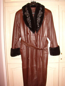 WOMAN SOFT LEATHER COAT w/ FUR QUILTED COLLAR BY HERITAGE !