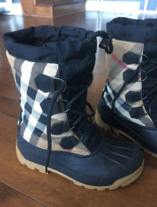 "BURBERRY Novackeck - lace up, winter boots, ""like new"", size 7-8"