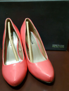 Kenneth Cole size 5.5(slightly used)