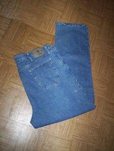 mens 42 x 32 Wrangler blue jeans