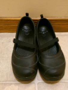 Crocks Mary Jane style size 8