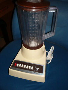 Philips  blender oldie,but goodie! $10.00 can deliver