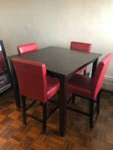 Dining room table and chairs!
