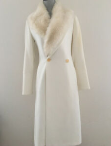 """ZARA WINTER WHITE COAT WITH REMOVEABLE """"FAUX FUR"""" COLLAR-SIZE M"""