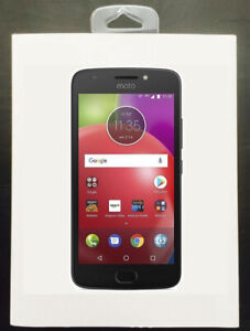 """Moto Smartphone Cell ►4G LTE ►5"""" HD ►16GB ►CHATR FREEDOM ROGER"""