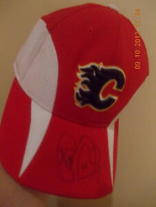 Non-authenticated autographed Calgary Flames hat