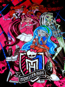 Monster High Twin Bed Comforter Bed Spread Like New GORGEOUS