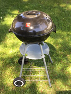 "18"" Charcoal Kettle Grill BBQ - As New"
