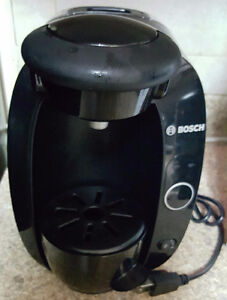 BOSCH TASSIMO COFFEE MAKER GREAT SHAPE 1.5 L $60 REDUCED $50