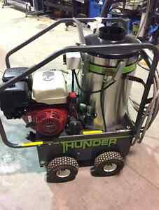 2015 Thunder MH3535G Hot and Cold Pressure Washer West Island Greater Montréal image 1