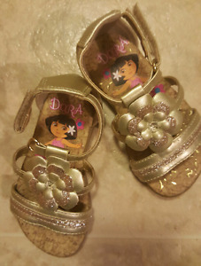 BRAND NEW size 5. 5 TODDLER SANDALS