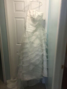 David's bridal wedding dress size 22