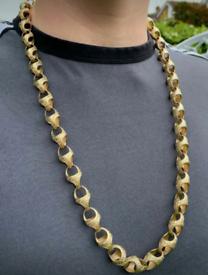 Gold tulip chain