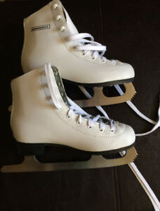 Junior figure skates