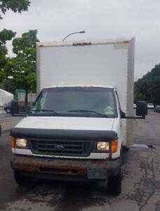 2003 FORD E450 CUBE TRUCK 16 PIEDS ( PRICE FOR QUICK SALE)