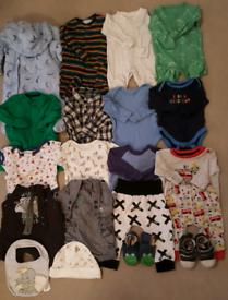 20 BABY BOY'S CLOTHING ITEMS SIZE 0-3MTHS JOBLOT 1