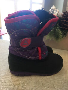 Girls Kamik winter boots size 8