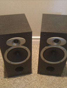 Bookshelf speakers  ...reduced