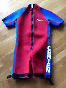 O'Brien wet suit for water skiing or jet skiing