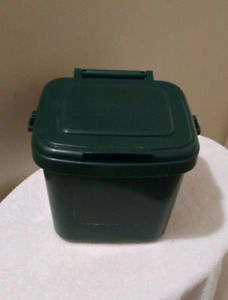 Kitchen Compost Collector