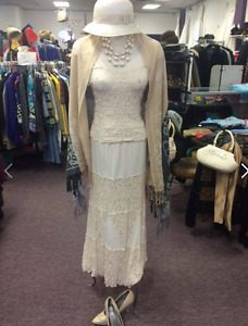 VINTAGE OUTFITS/COSTUMES/GATSBY - VINTAGE BOUTIQUE CLOSING