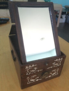 Excellent Condition Vintage Look Jewelry Box with Mirror