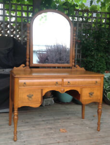 Tiger maple dressing table/vanity